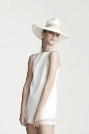 D02 - See thru shoulder dress - White