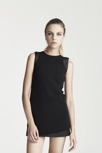 D02 - See thru shoulder dress - Black